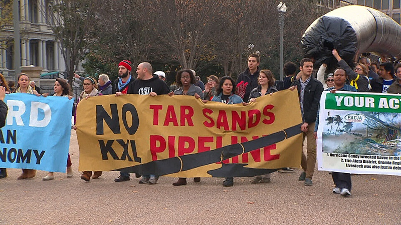 Roughly 3,000 protesters marched in a rally in front of the White House on Sunday, Nov. 18, 2012. The protesters are calling on U.S. President Barack Obama to reject the Keystone XL pipeline project.