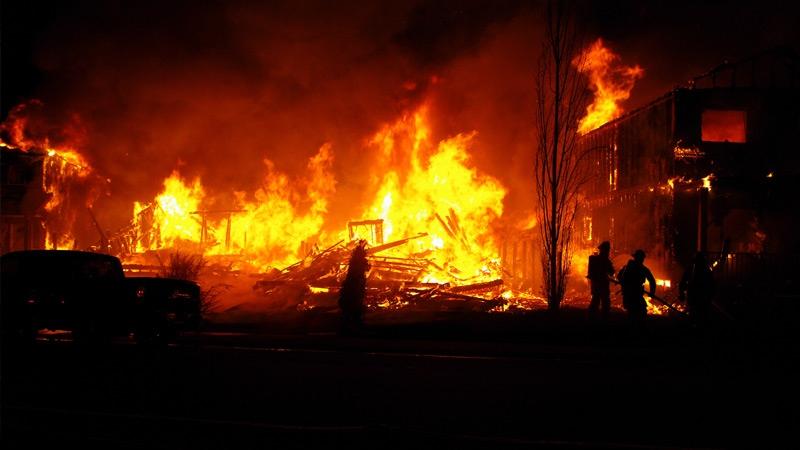 Apocalípticas imágenes del gran incendio de Alberta, Canadá Image