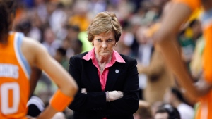 Pat Summitt during a timeout in Des Moines, Iowa, on March 26, 2012. (Nati Harnik / AP)