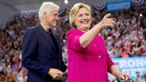 Democratic presidential candidate Hillary Clinton and her husband, former President Bill Clinton arrive for a rally at McGonigle Hall at Temple University in Philadelphia , Friday, July 29, 2016. (AP Photo / Andrew Harnik)