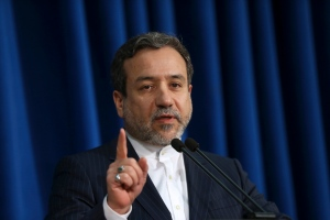 Iran's Deputy Foreign Minister Abbas Araghchi, who is also a senior nuclear negotiator, gestures while speaking with media in his press conference in Tehran, Iran, Sunday, Jan. 15, 2017. (AP / Vahid Salemi)