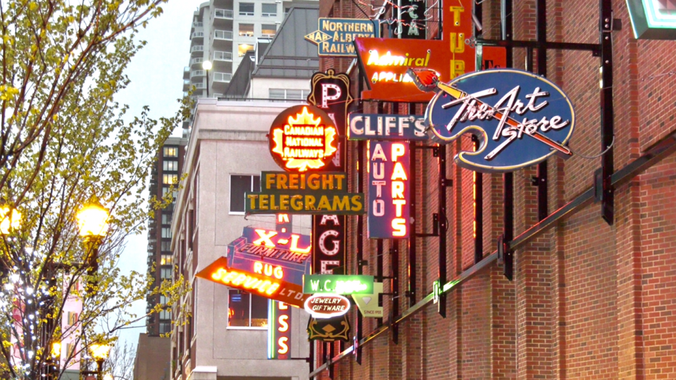 Neon Signs (Matt Marshall/CTV News Edmonton)