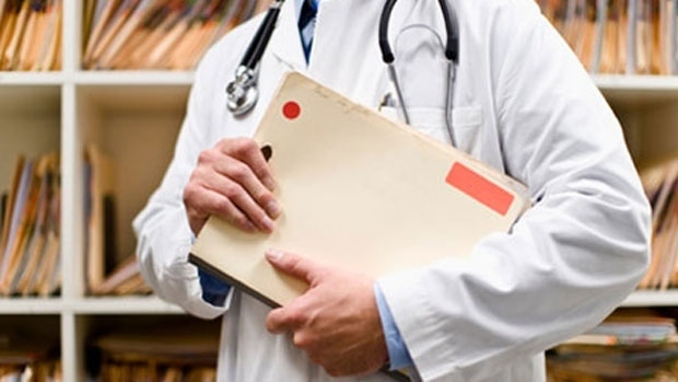 The Alberta Medical Association is demanding the province follow through with prior commitments and reach an agreement with doctors, after negotiations between the two parties failed.