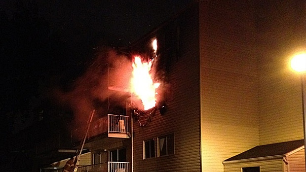 An early morning fire broke out at Sunday at a condo complex in the area of 177 Street and 81 Avenue. PHOTO: Colton J.